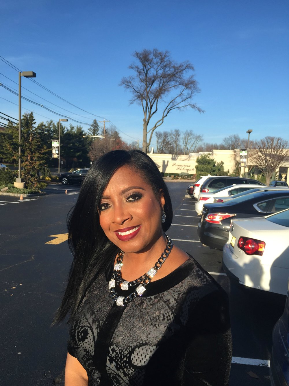 Aretha Gaskin – Specializing in Memorials and Weddings