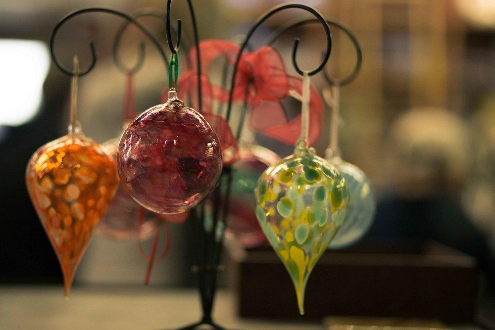 Andy Nicholes Art Glass Columbia Gorge Glassblowing_-9.jpg