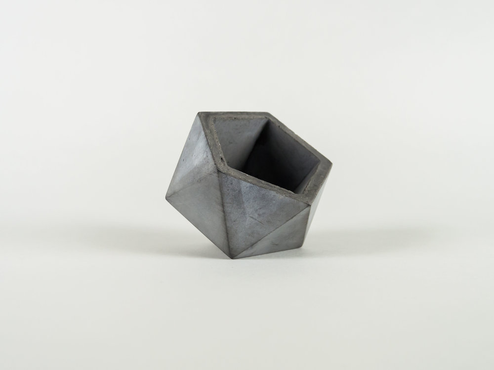 Copy of Geometric Concrete planter pot in dark gray by the savvy heart