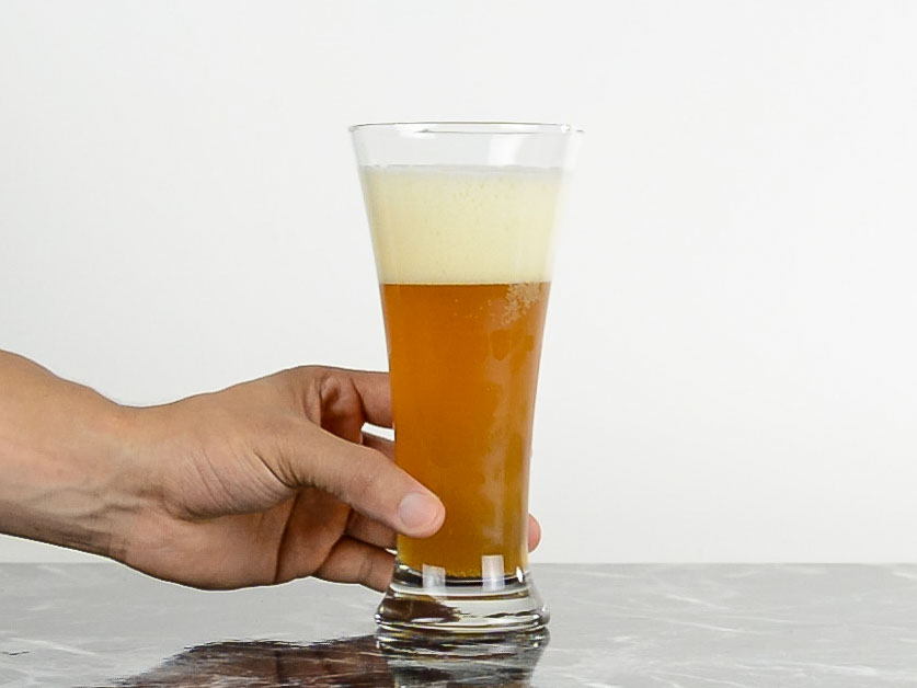 weizen Beer Glass- Types of beer glass and how to choose the right one for your brew.jpg
