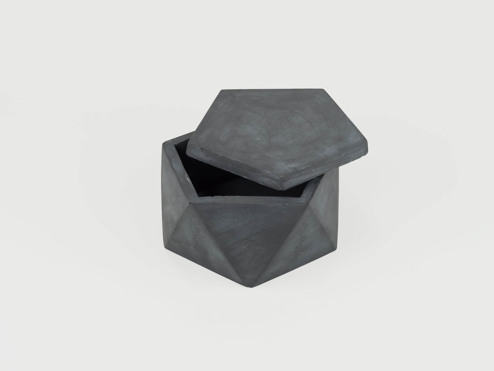 modern-geometric-concrete-container-with-lid-by-the-savvy-heart.jpg