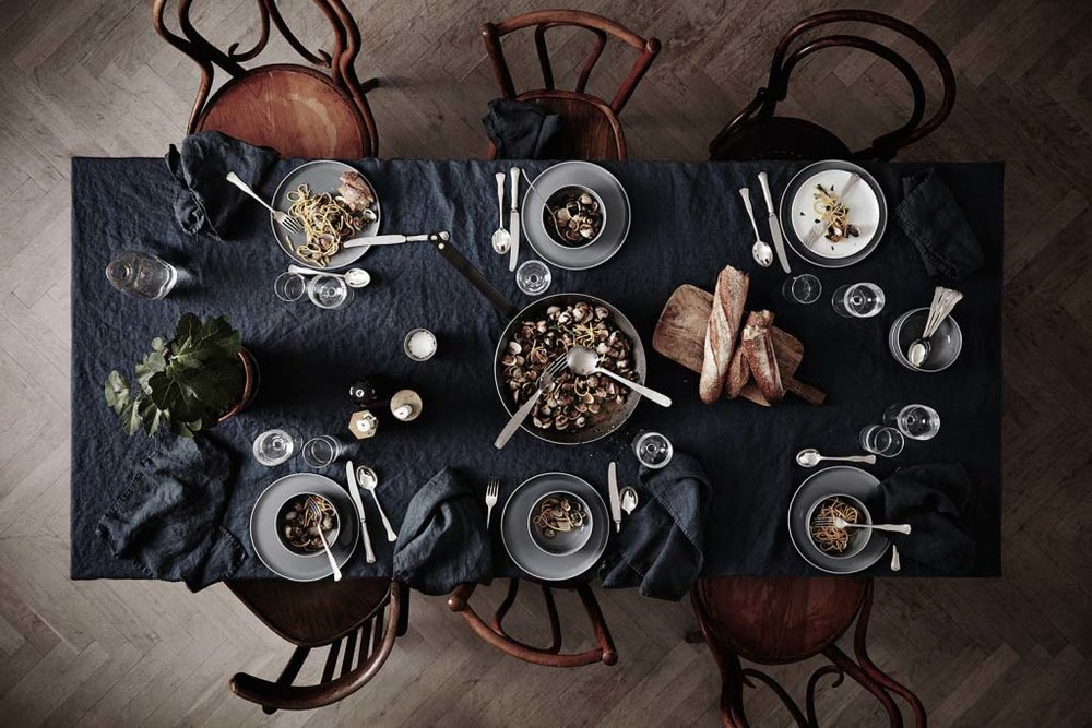 Table setting ideas for thanksgiving or christmas dinner.jpg