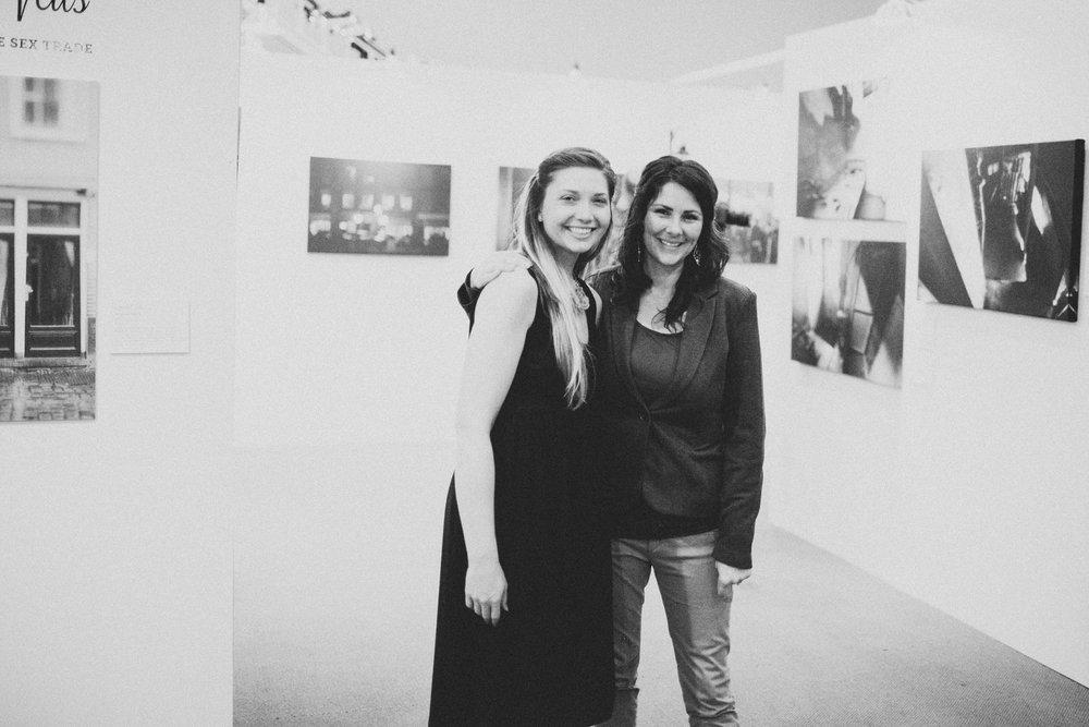 L-R: Tessa Harvey - Original Curator of Scarlet Veils; Shannon Doherty - Founder of Dignata