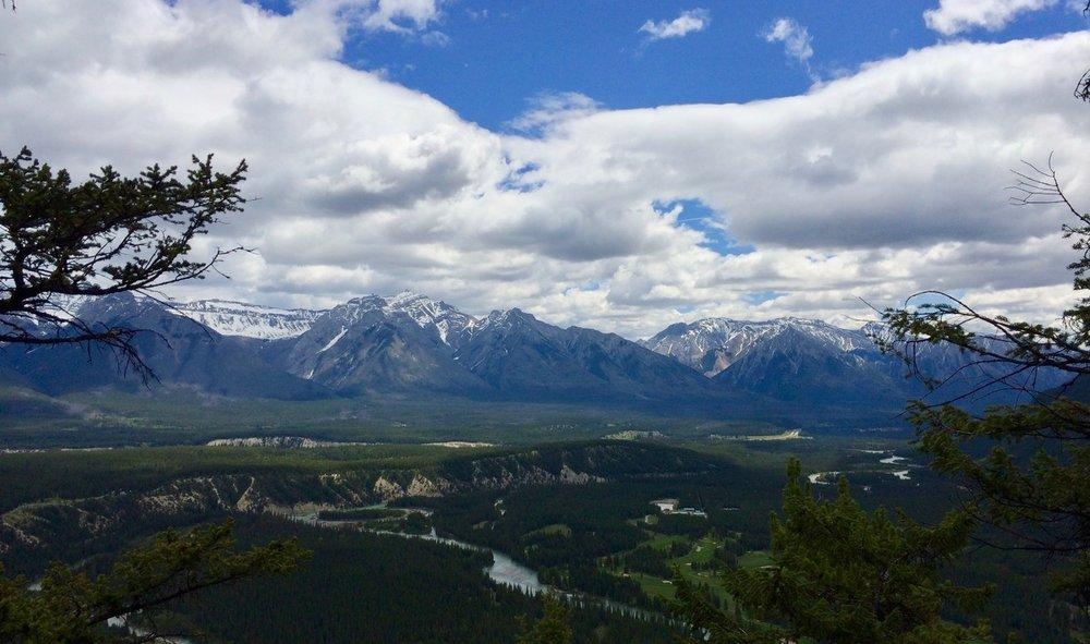Banff, Alberta (photo by: @thelotuspage)