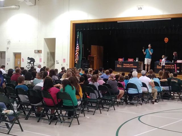 The Franklin Institute Traveling Science Show Hosted by Family Strengthening Network at Maurice River Elementary School! It's a big hit every year!  Families get to enjoy a show and then walk around and conduct their own experiments! #fsnfamily #southjersey #franklininstitute #travelingshow #mauriceriver #science