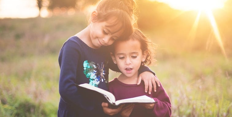 Educación - Aquí encontrarás los vídeos de las conversaciones de Sin Límites que tienen como tema central: La educación de los niños desde el entendimiento de los 3 Principios.
