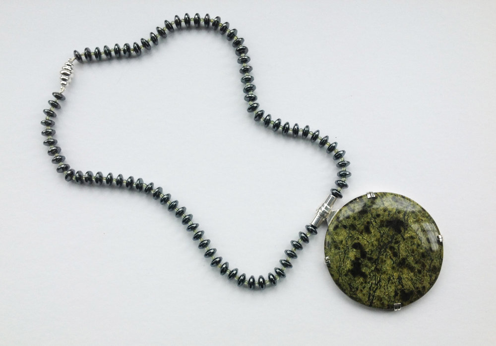 2. green necklace front.jpg