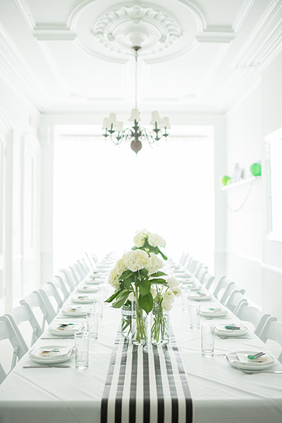 Ici   was the perfect place with the amazing light and all white space.