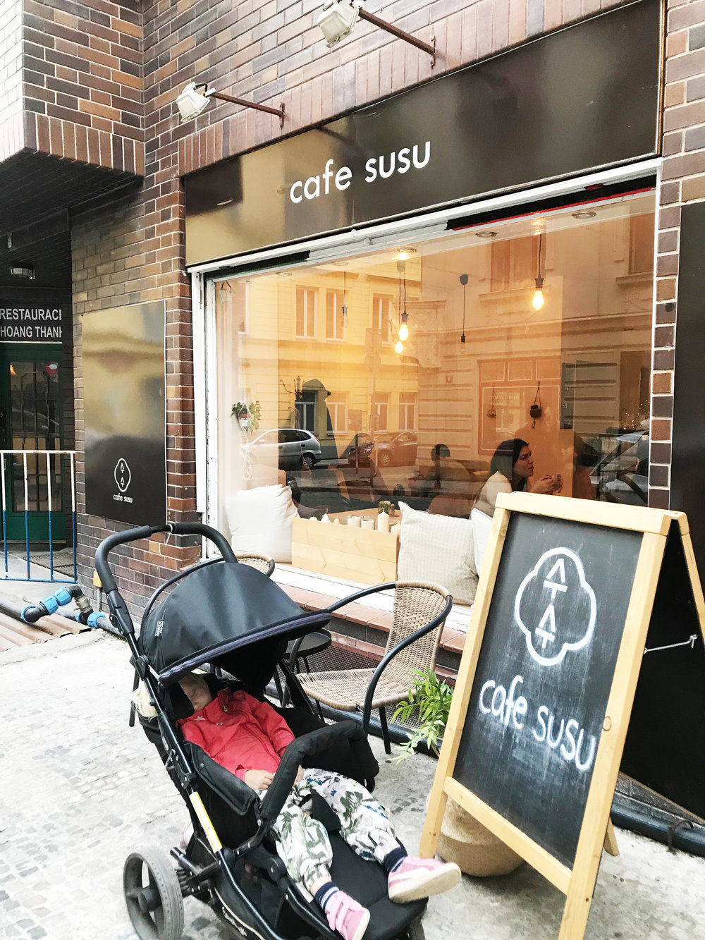 We were so happy to find a Korean cafe near our hotel! In fact, our driver told us that there were many koreans in Praha. And did you know, it is known to be very safe, so safe that people leave their kids in strollers while they go into a cafe!