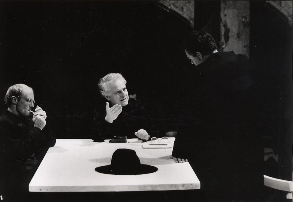 Garfein directing Ohio Impromptu by Beckett in Vienna, Austria