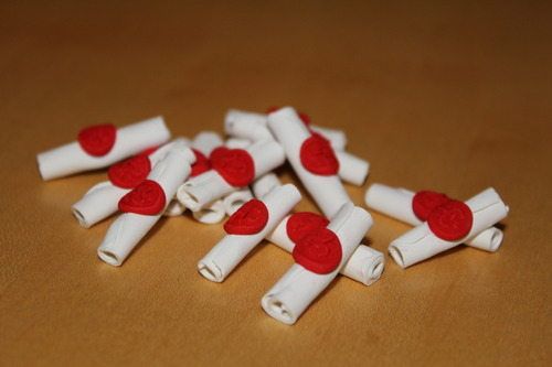 Love_Letter_game_scroll_tokens_polymer_001.jpg