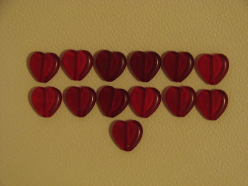 Love_Letter_game_heart_tokens_acrylic_beads_001.jpg