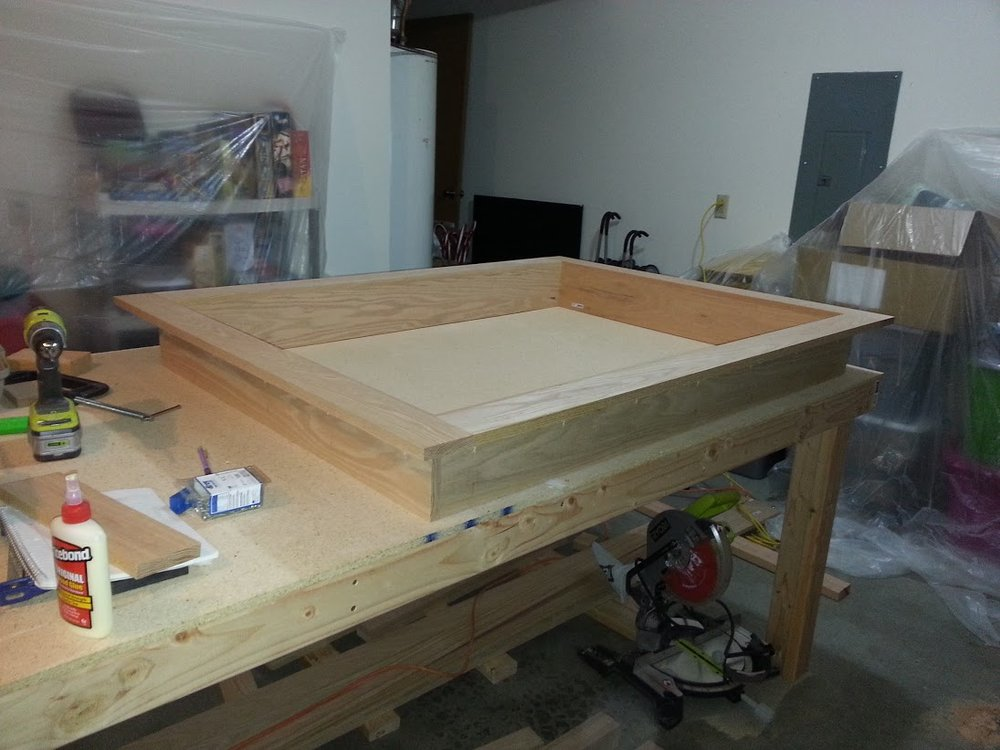 A_Brown_red_oak_gaming_table_006.jpg
