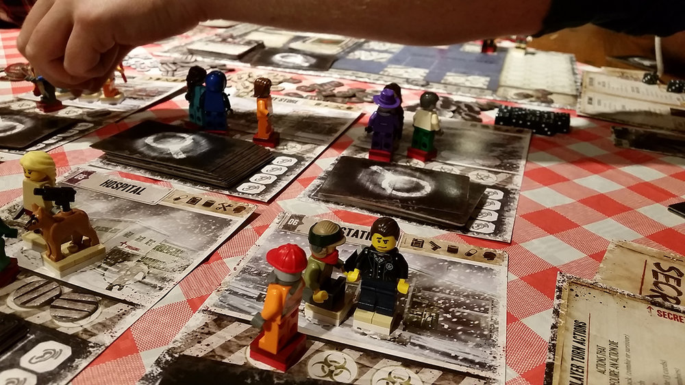 Dead_of_Winter_board_game_figures_in_lego_007.jpg