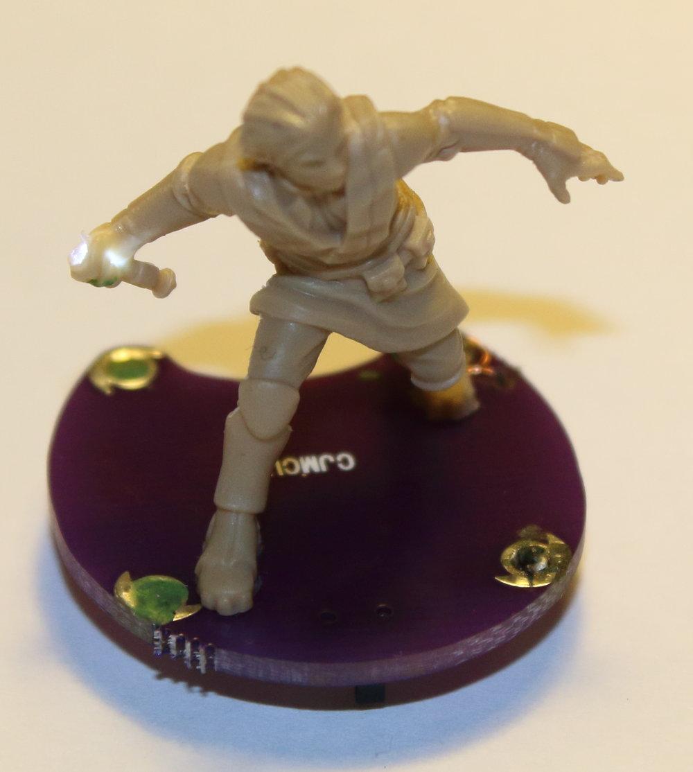 Imperial_Assault_Board_Game_LED_lightsaber_miniature_10.jpg