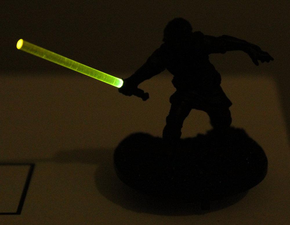 Imperial_Assault_Board_Game_LED_lightsaber_miniature_14.jpg