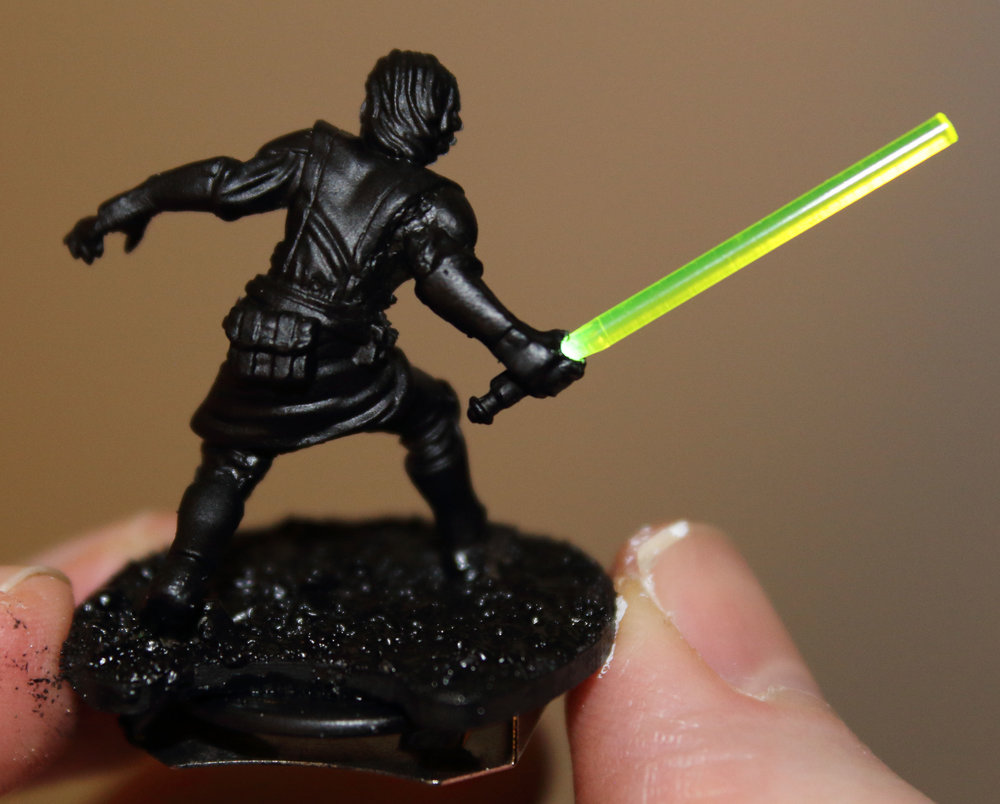 Imperial_Assault_Board_Game_LED_lightsaber_miniature_13.jpg