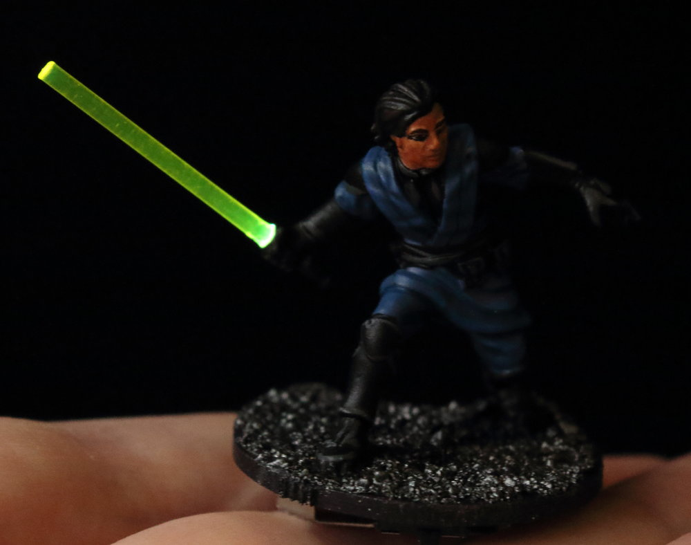 Imperial_Assault_Board_Game_LED_lightsaber_miniature_16.jpg