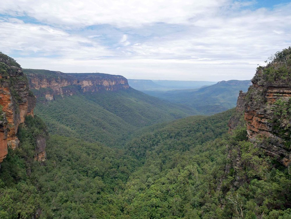 The Blue Mountains are a short 2-hour drive west of Sydney. We stayed in the quaint mountain town of Leura (Feb 2).