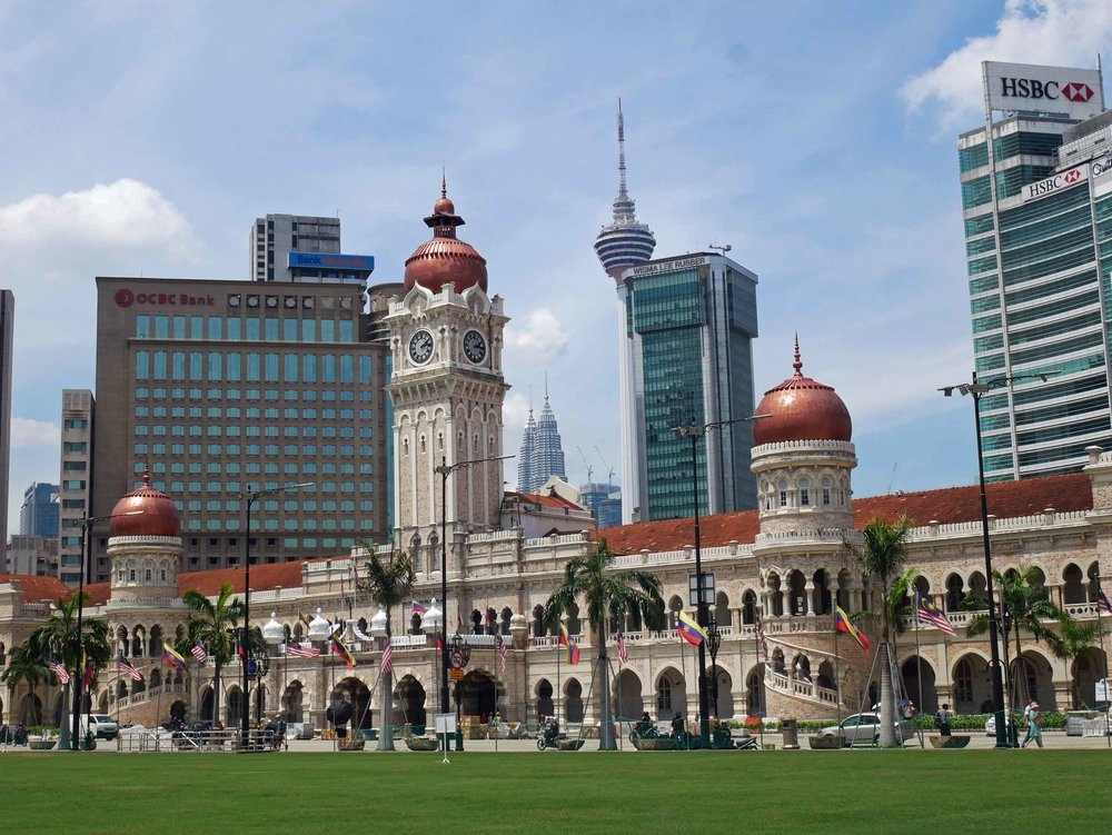 Also off the Square is the impressive Sultan Abdul Samad Building, built in the late 1800s to house the offices of the British colonial administration.
