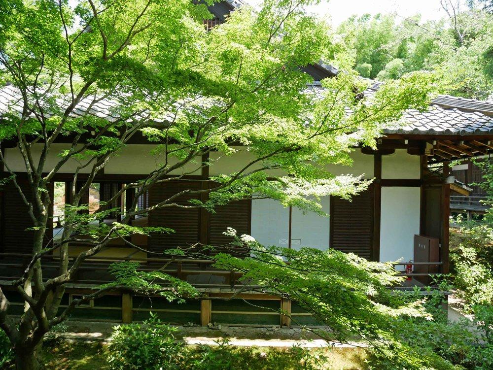 We spent midmorning at lovely Shoren-in Monzeki temple, built in the 13th century.