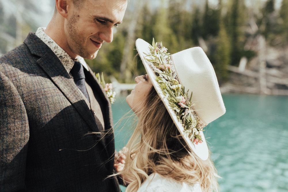 karaline_robby-colchuck-lake-elopement-washington-2018-peytoncurry-6182.jpg