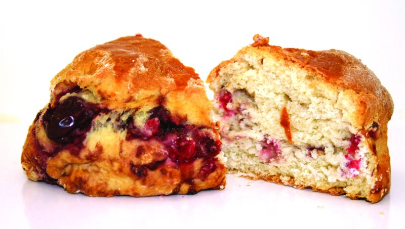 Raspberry Scone   Pleasantly dry and not too sweet, these are particularly good for a morning pick-me-up. The juicy raspberries add a tart dimension to the scones and blend perfectly with the light interior. 125g – 30 per batch   Item Number: 5085   Also available par baked.   Item Number: M5088