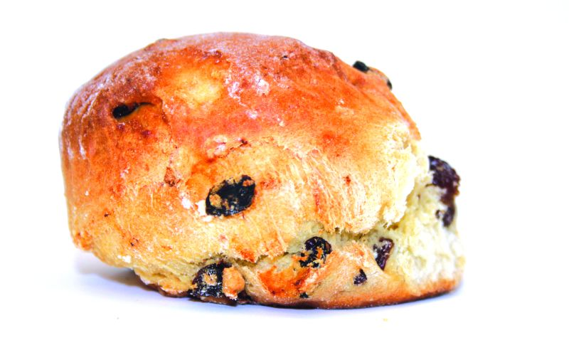 Fruit Scone   These moist, fruity scones have a lovely crisp crust with a rich buttery flavour and light and fluffy inside, with plump and juicy mixed fruits. Served warm, with a dollop of cream and afternoon tea- what cosiness.  125g – 30 per batch   Item Number: 5082   Also available par baked. 125g – 36 per batch   Item Number: M5092