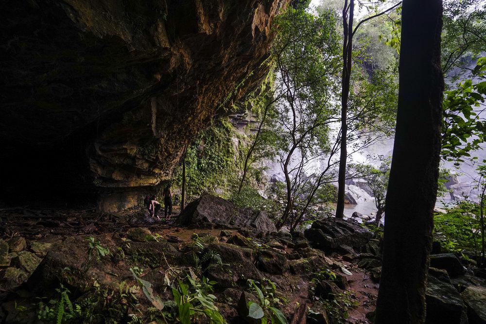 Cueva en sector superior