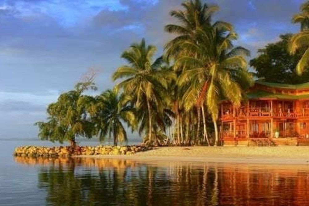 WE ARE Panama Bocas del Toro Accomodation