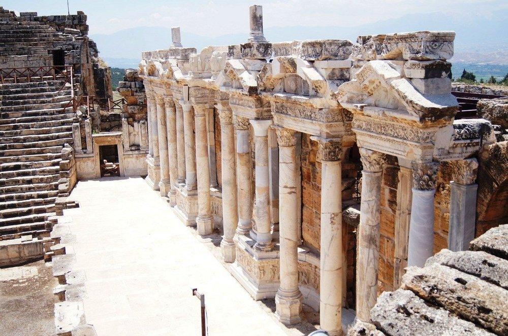 pamukkale-ancient-hierapolis_2252048174.jpg