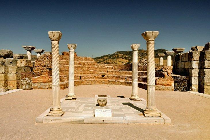 turkey-selcuk-and-ephesus-basilica-of-st-john.jpg