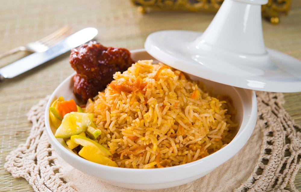 shan-style-rice-myanmar-food-sanctum-inle-resort.jpg