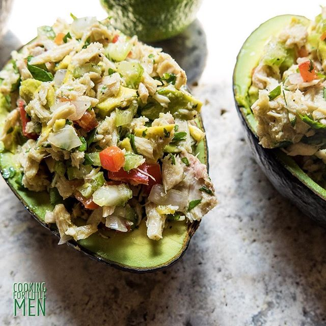 """HANGRY?"" Tuna stuffed avocados! Recipe on the blog now! The perfect parental pick me up! Say that three times fast!! Brain boost for the grown ups after school. Don't forget to feed yourselves! #whole30 #cookingforlittlemen #tunastuffedavocado #protein #paleo"