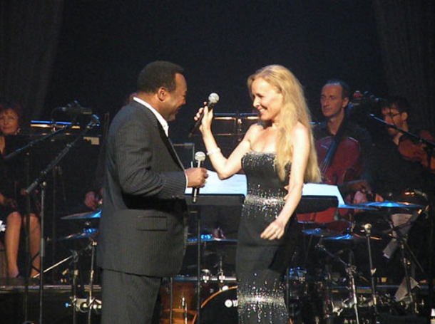 Janey with George Benson in Paris 2009 at the Palais de Congrès