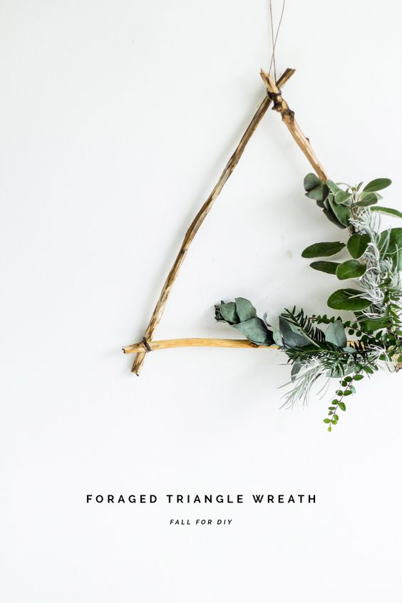 Jules and Louis Blog | festive wreaths - diy triangle wreath