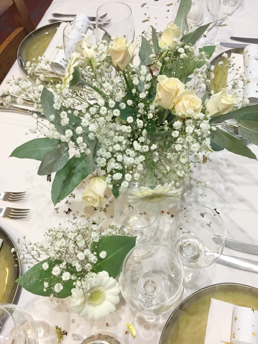 Jules and Louis Blog - A Gorgeous Table Setting - flowers