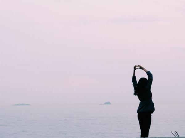 jules-and-louis-blog-self-love-woman at beach.jpg