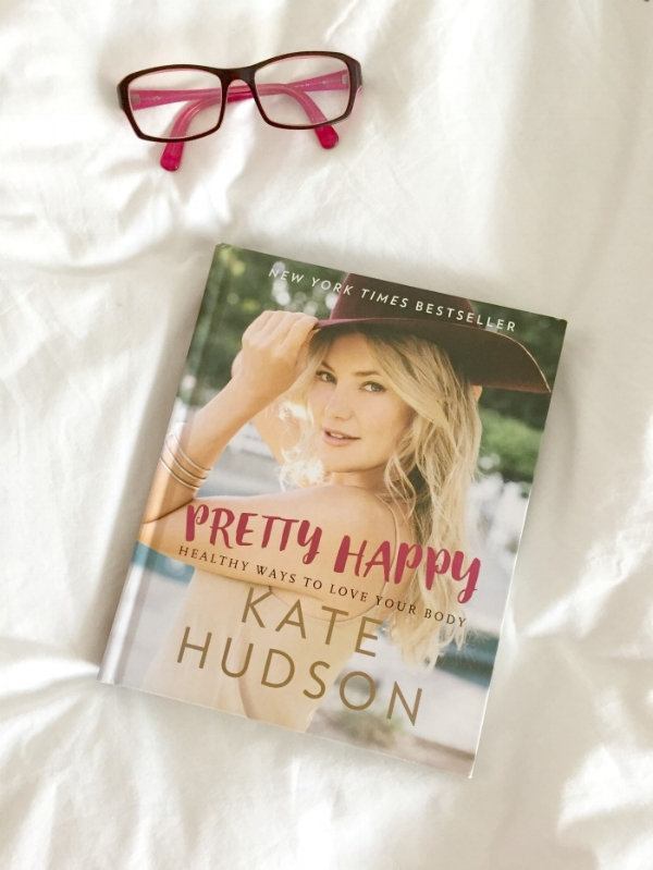 Jules and Louis Blog - Boek Pretty Happy Kate Hudson met bril.jpg