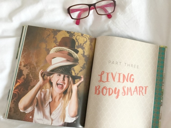 jules-and-louis-blog-book-pretty-happy-kate-hudson-living-bodysmart