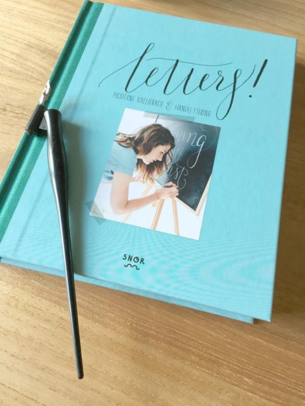 Jules and Louis Blog - Letters - boek met kroontjespen