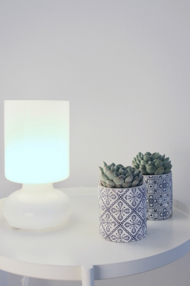 jules-and-louis-blog-white-sidetable-blue-pots-succulents-lamp.jpg