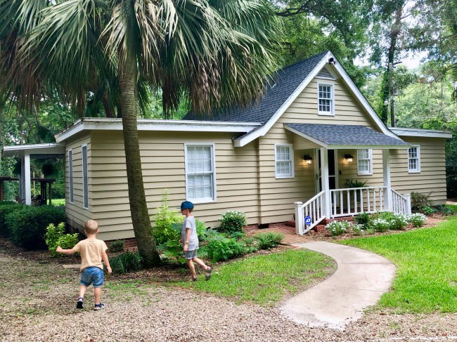 Jules and Louis Blog - A cute adorable house in Tallahassee - front house.jpg