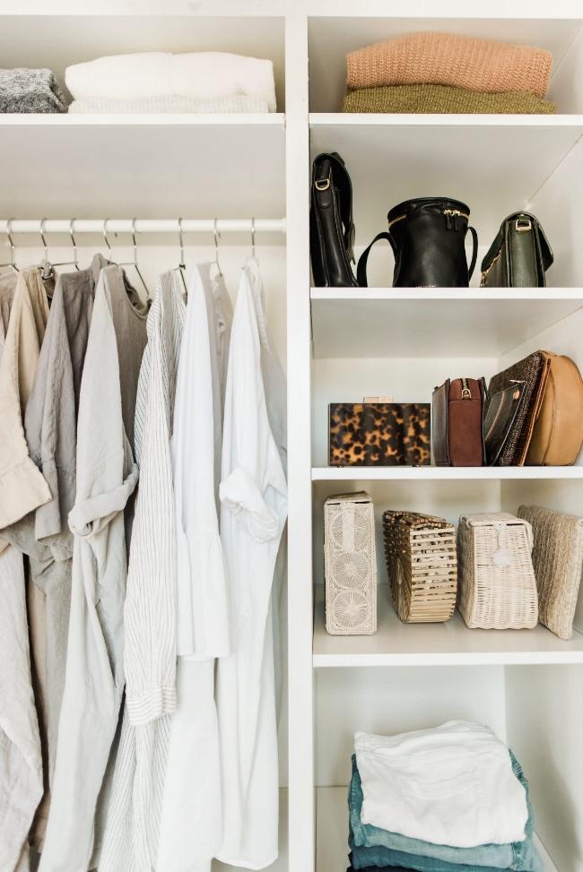 Say hello to mijn droom garderobe… (en kijk naar al die sjakochen, zo mooi uitgestald! Kwijl-kwijl)