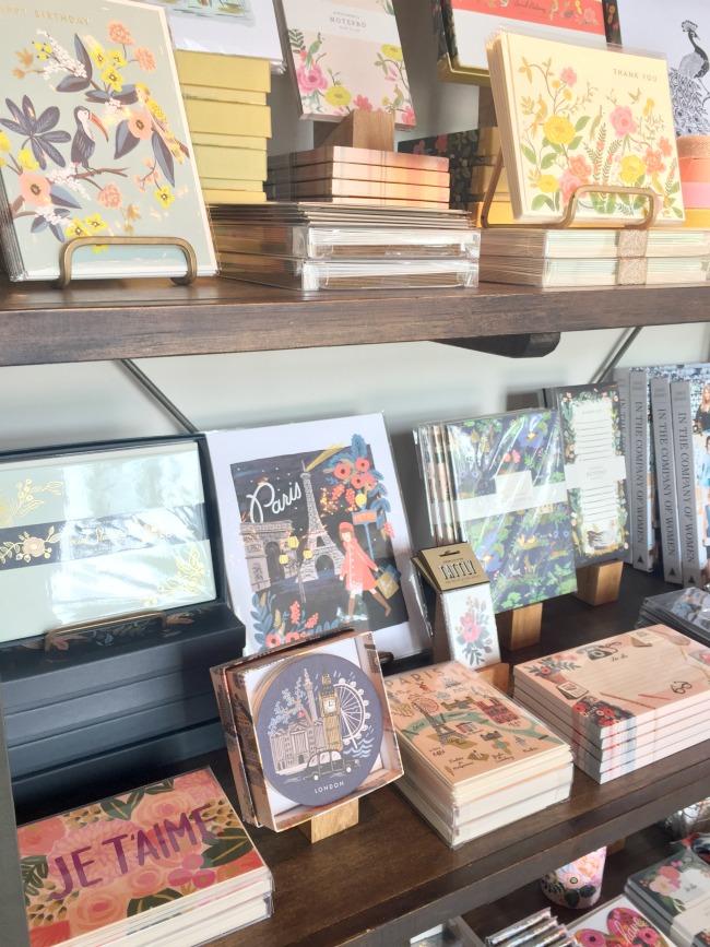 Jules & Louis Blog - Winkelen bij Rifle Paper & Co. in Winterpark Florida - aanbod kaartjes.jpg