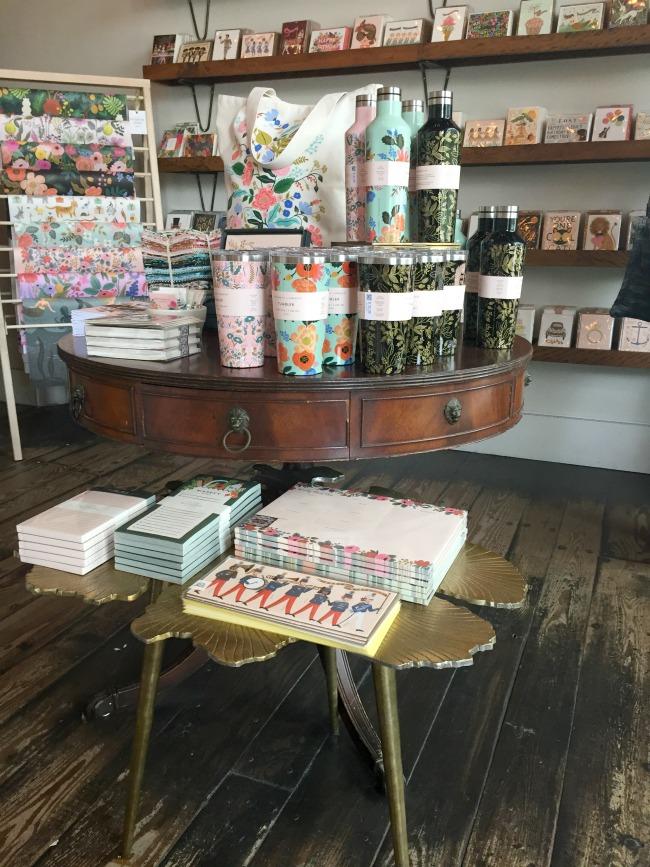 Jules & Louis Blog - Winkelen bij Rifle Paper & Co. in Winterpark Florida - winkel aanbod.jpg