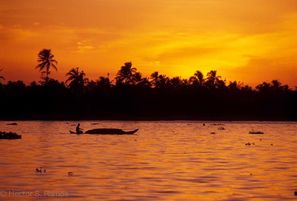 Day's end.  Vembanad Lake, Kerala.  Photo: Nikon F5, AFD 80-200mm f2.8, Provia 100.