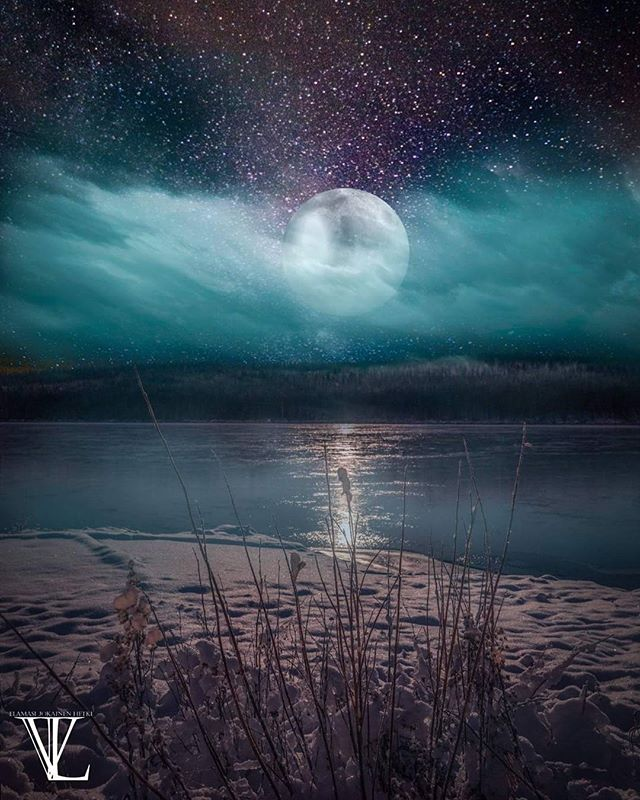 #composition #visitfinland #visitrovaniemi #visitlapland #digitalart #landscape #a7r2 #sony #cold #winter #moon #stars #share #photoofday #finland_photolovers