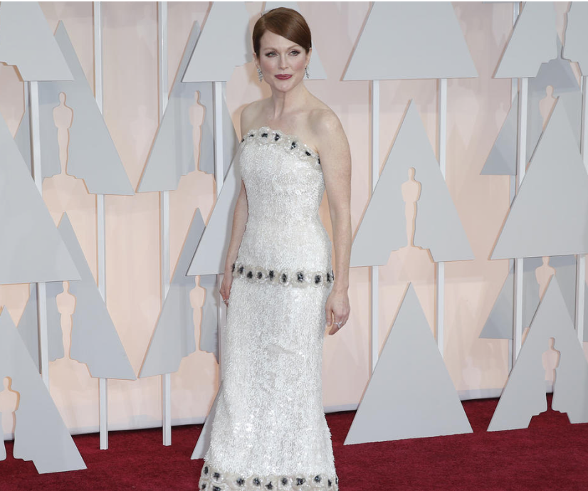 Julianne Moore's Oscars gown was one of a kind -  Los Angeles Times