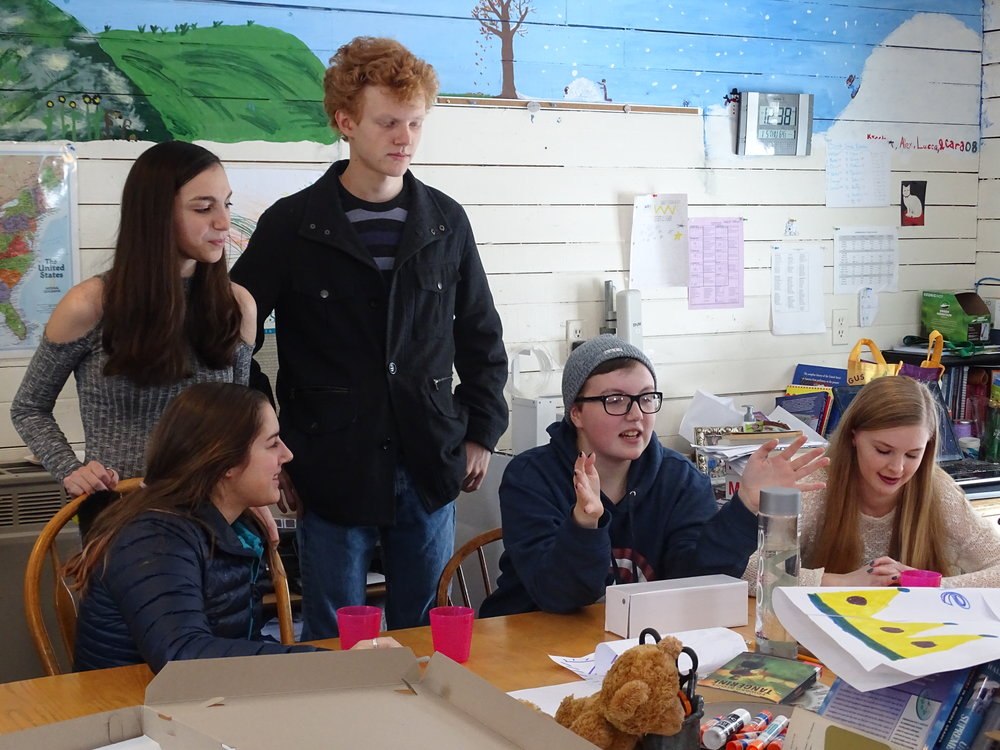 Maggie Evans '13, Molly Moore '13, Zane Buckminster '13, Anna Somerville '13, LaTina Marie Webber '13 joined the current 8th grade class for lunch during their visit to The Riverside School.